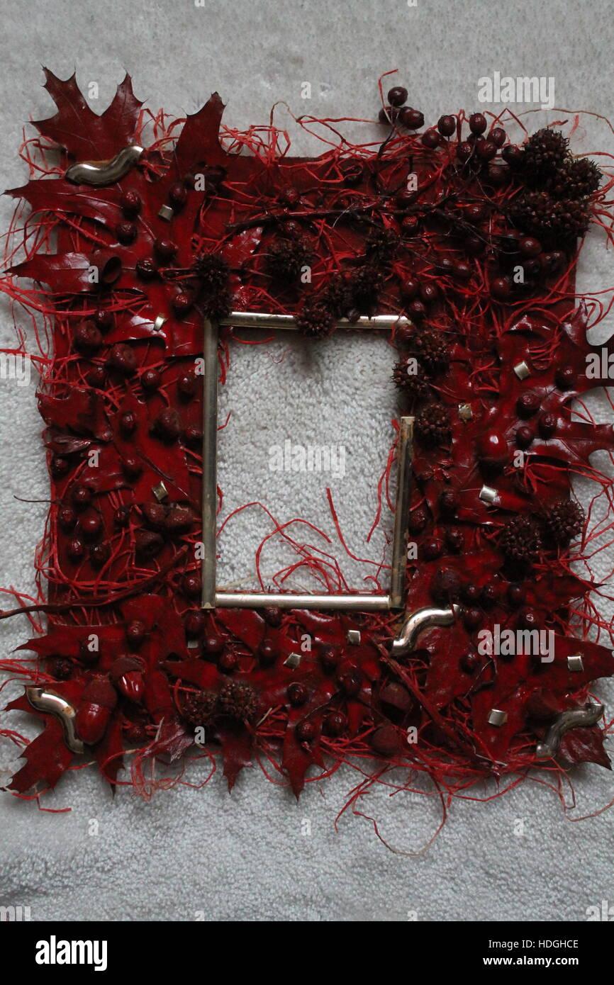 leuchtend rote Farbe Rahmen für sparen Foto aus natürlichem Material ...