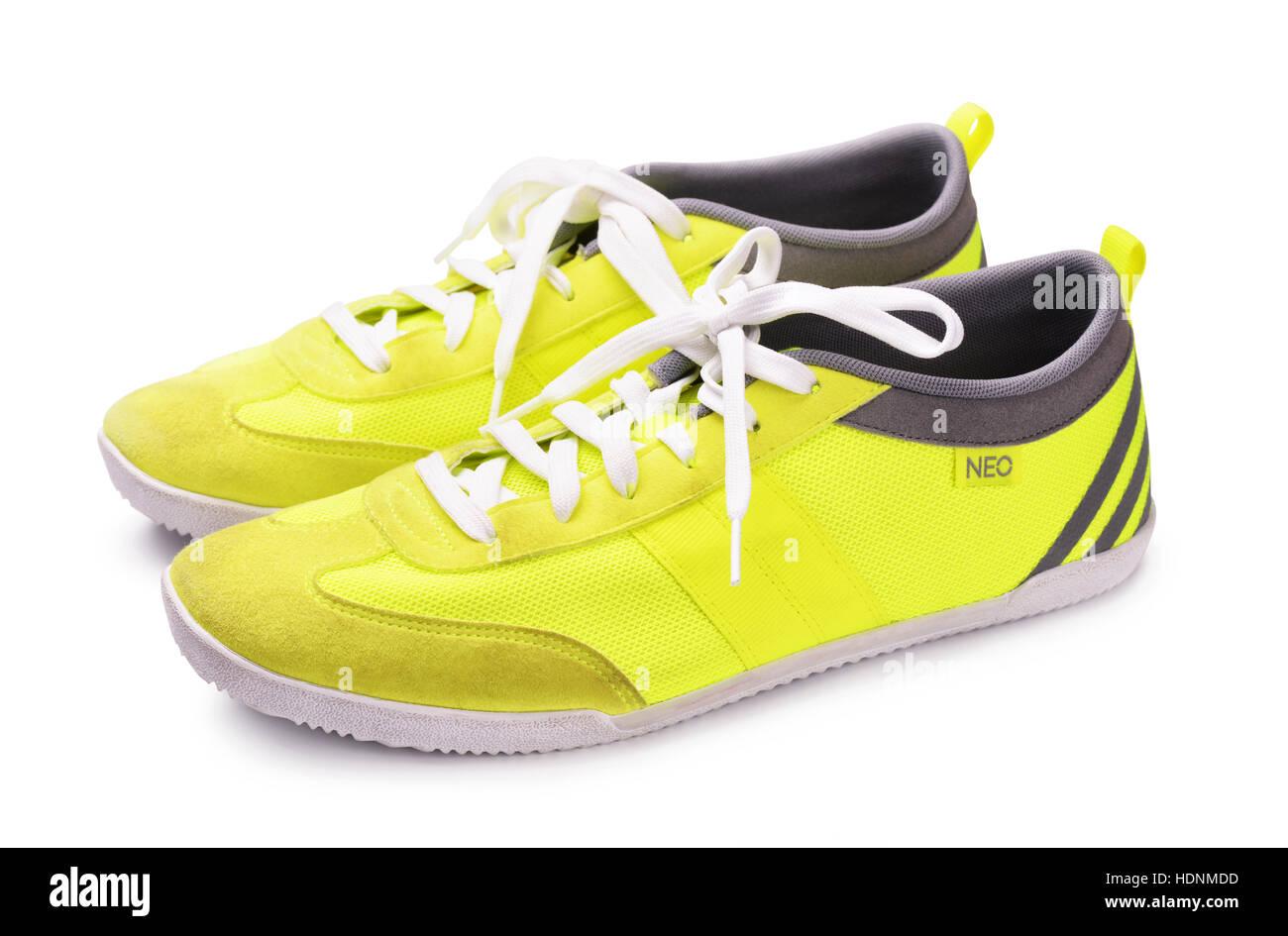 online store d92cf 03aa5 Juni 2015 Adidas Neo Sneakers für laufen, Fußball, training, in grau und  gelb, zeigt das Adidas Logo und berühmten drei Streifen