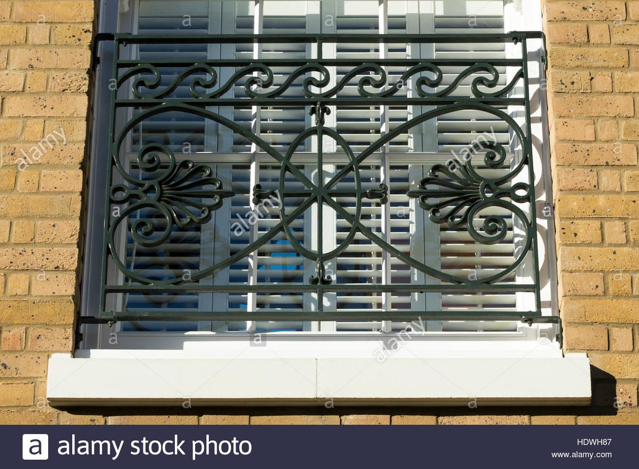 Nach Oben Auf Eine Moderne Home Fenster Mit Ornamentalen