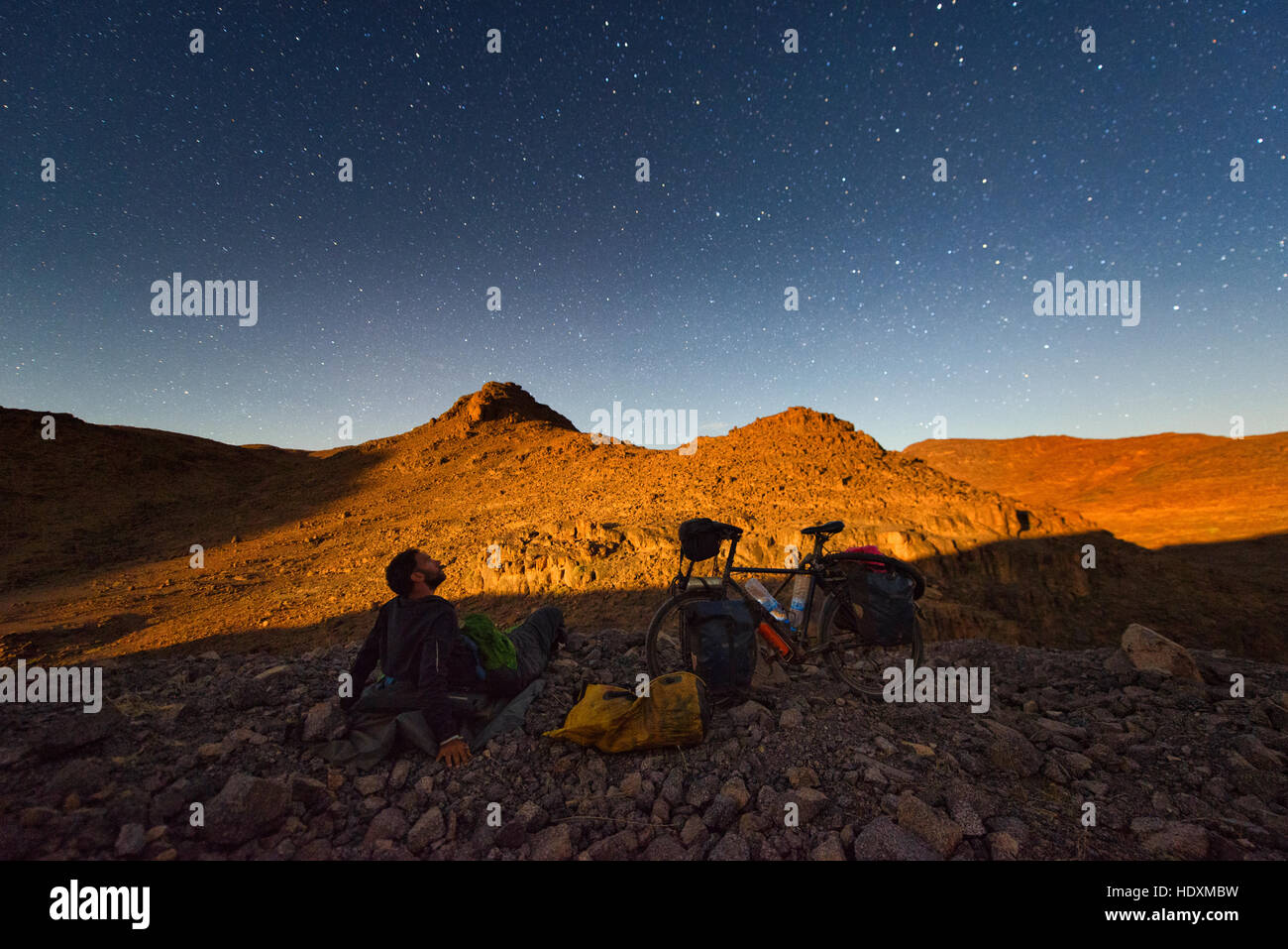 Radfahren im Hohen Atlas, Marokko Stockbild