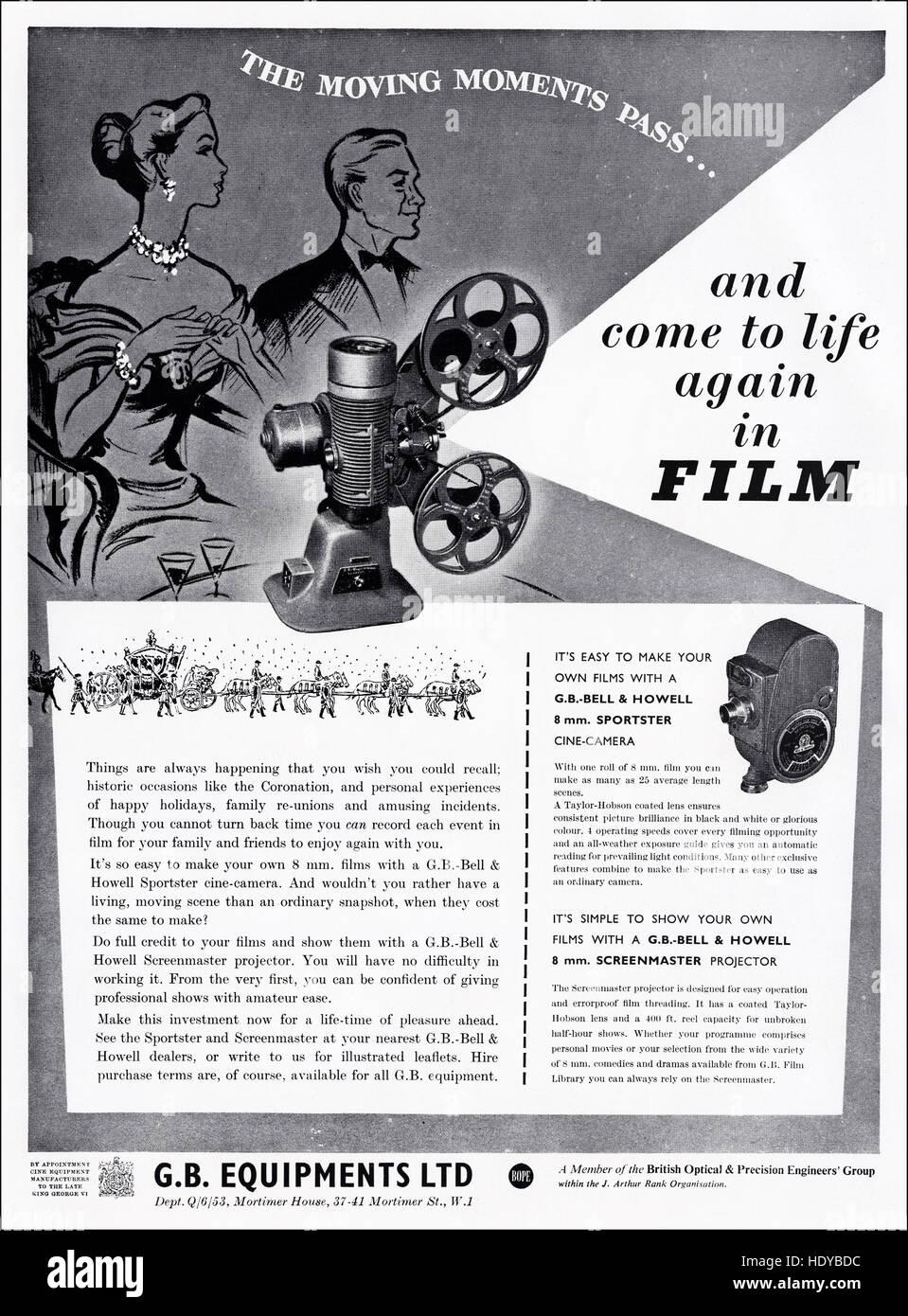 1950er Jahre Werbung Werbung aus original alten Vintage englisches Magazin 1953 Anzeige für Cine-Kameras von Stockbild