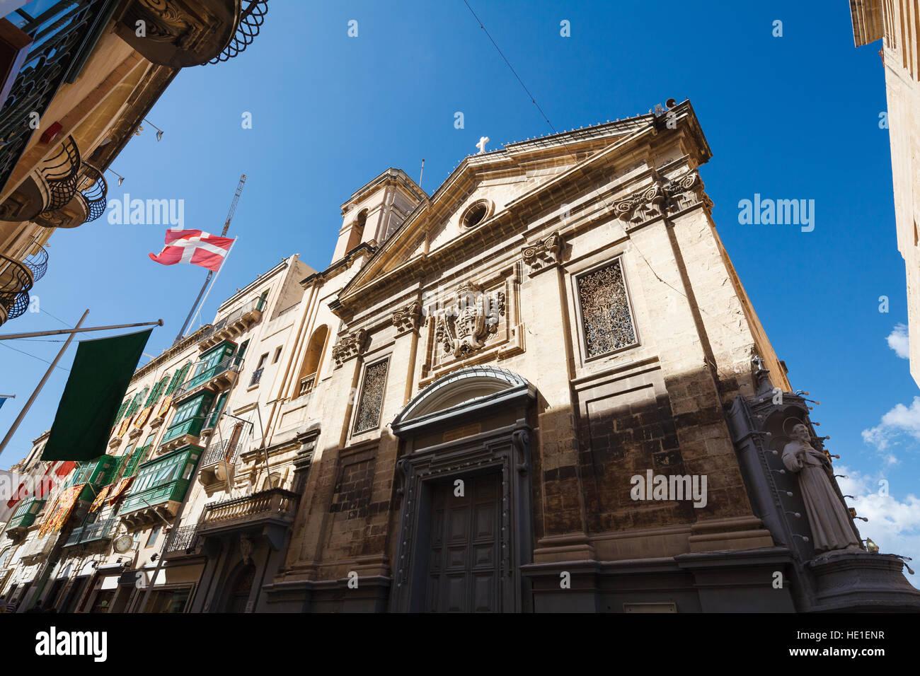 melita street valletta malta stockfotos melita street