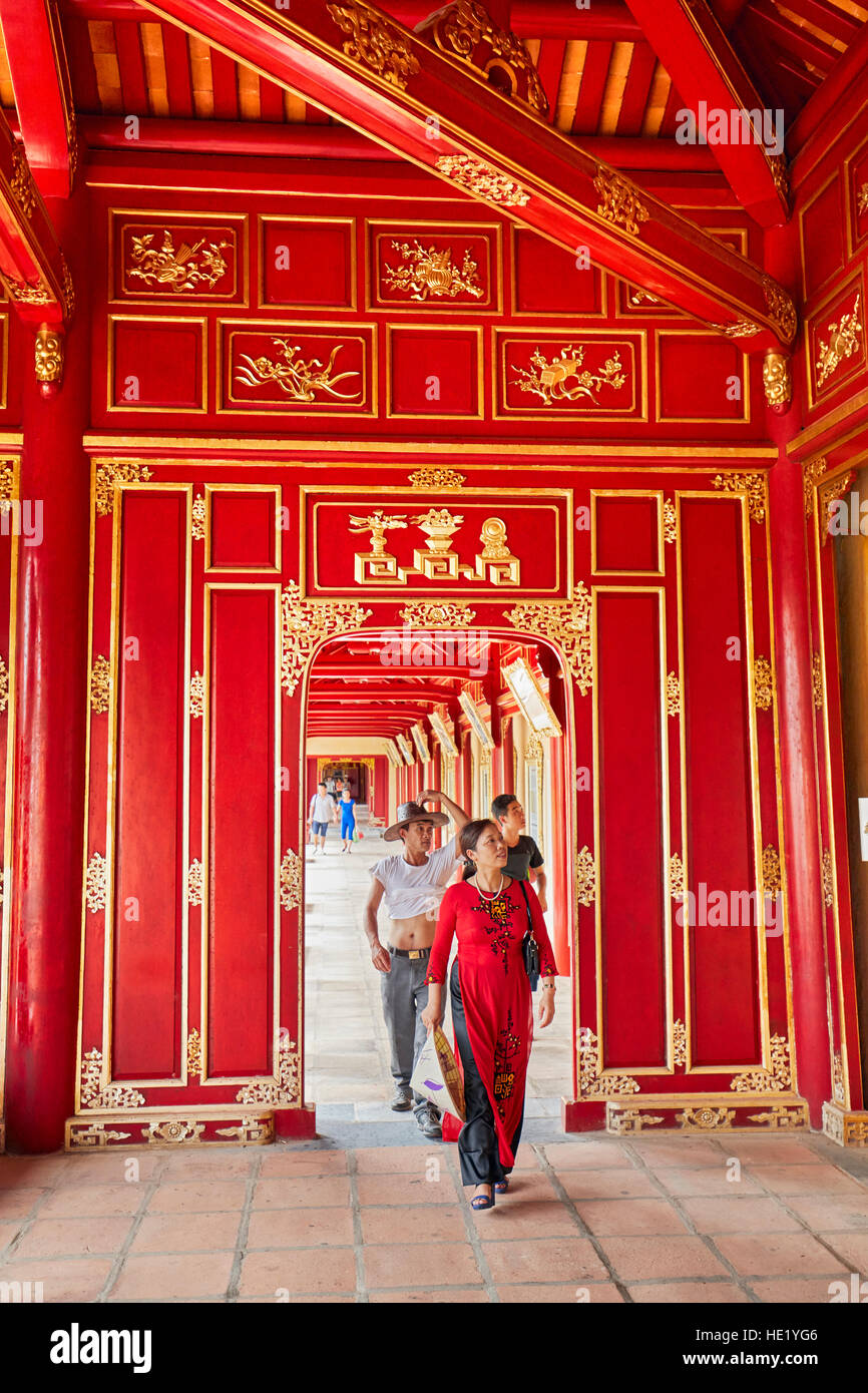 Offene Galerie in Khon Thai Residenz (Queen es Privatwohnung). Kaiserstadt Hue, Vietnam. Stockbild
