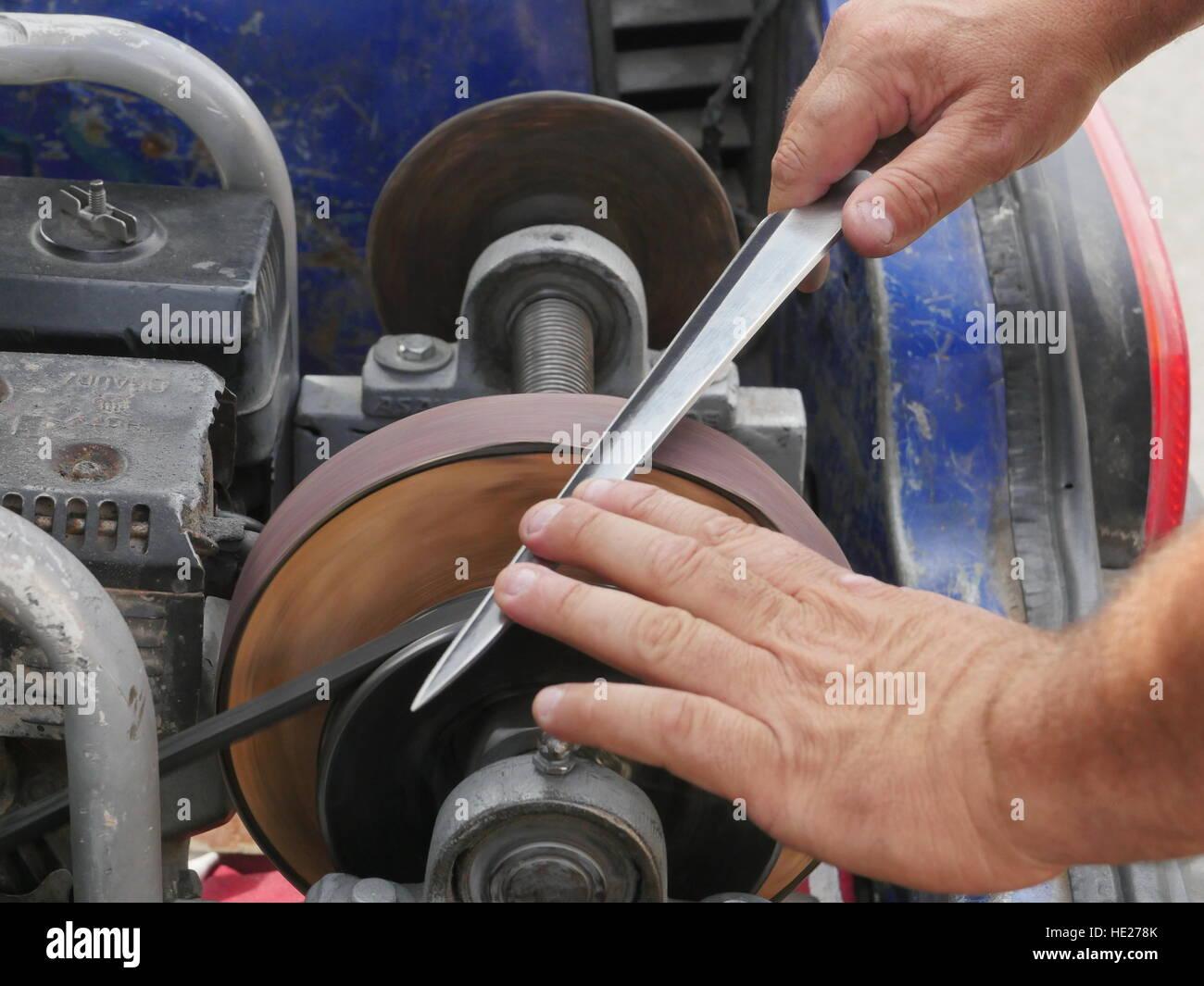 vintage messer schleifmaschine stockfoto, bild: 129127395 - alamy