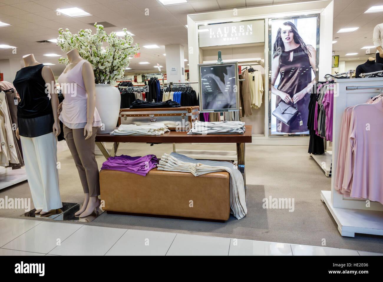 Miami Florida Aventura Mall Macy s Department Store im Inneren display  Verkauf Frauen Kleidung Ralph Lauren Stockbild fbf8cce126