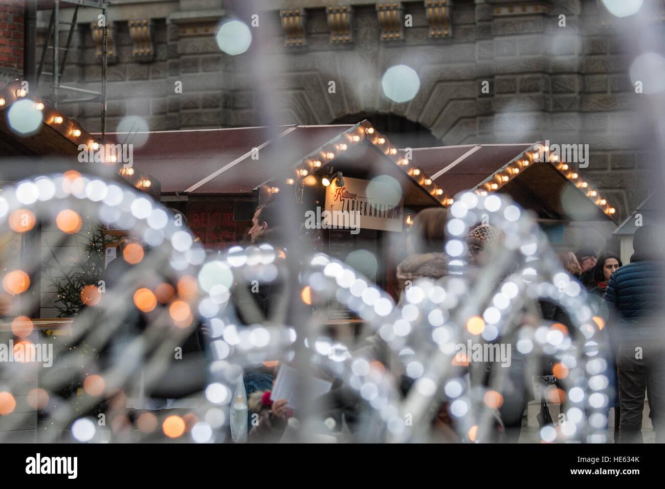 Danzig, Polen. 18. Dezember 2016. Hunderte von Menschen besuchen Sie ...