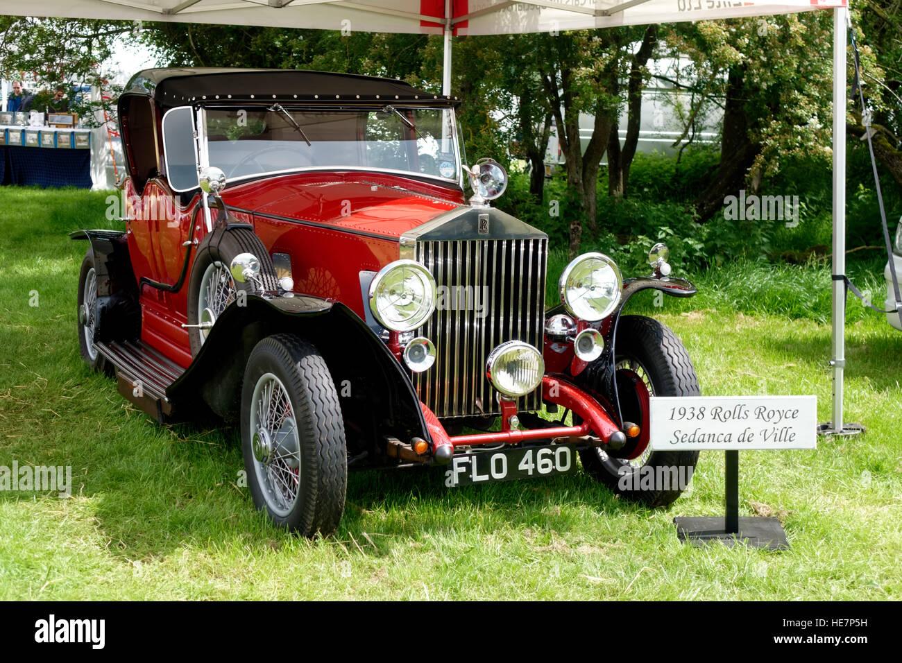Eine 1938 Rolls-Royce Sedanca de Ville auf der 2014 Stockton Nostalgie Show, Wiltshire, Vereinigtes Königreich. Stockbild