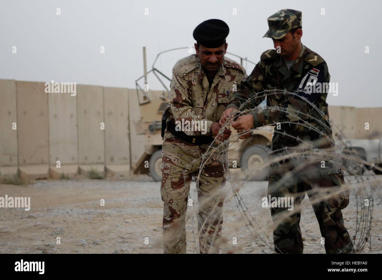 Irakische Polizei Ausbilder mit der Mosul öffentlich-rechtlichen ...