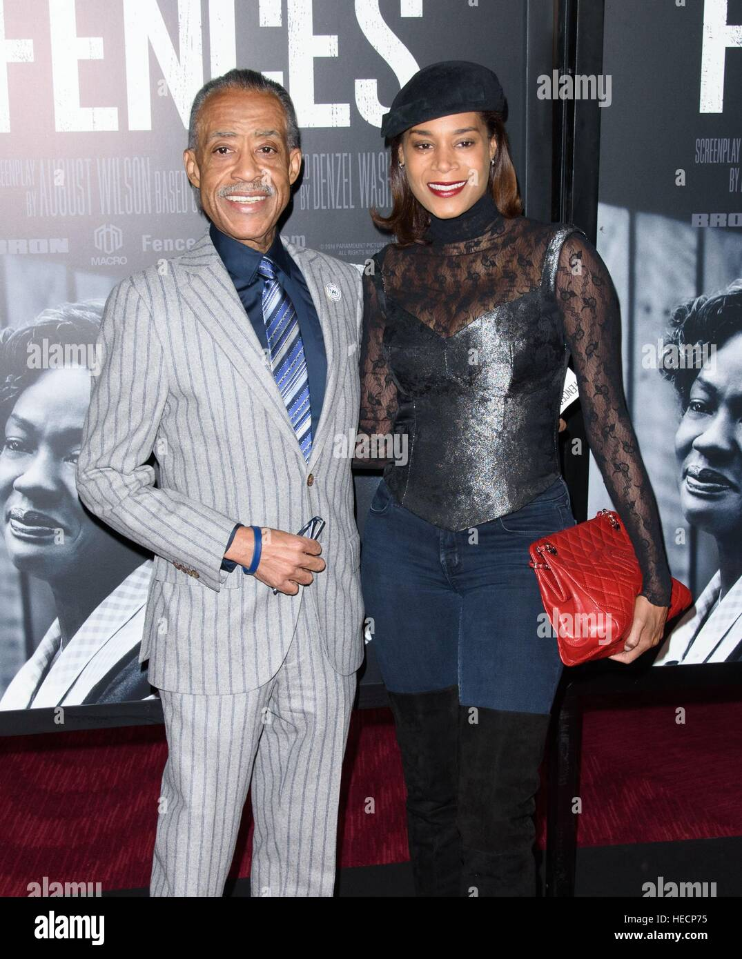 new york ny usa 19 dezember 2016 blue ray sharpton gast bei anreise f r z une premiere. Black Bedroom Furniture Sets. Home Design Ideas