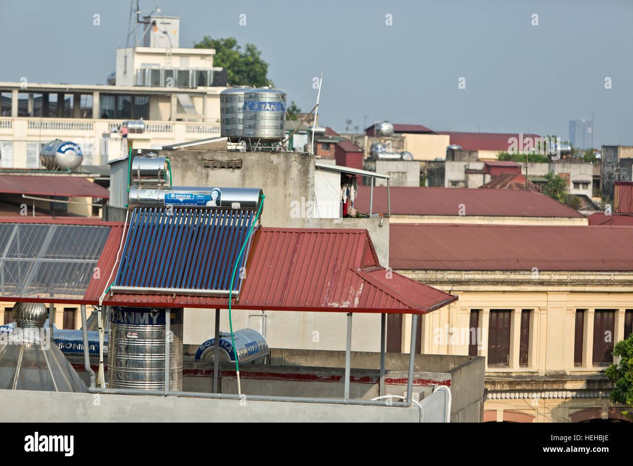 Delightful Solar Warmwasser Heizung Auf Dem Dach Installiert.