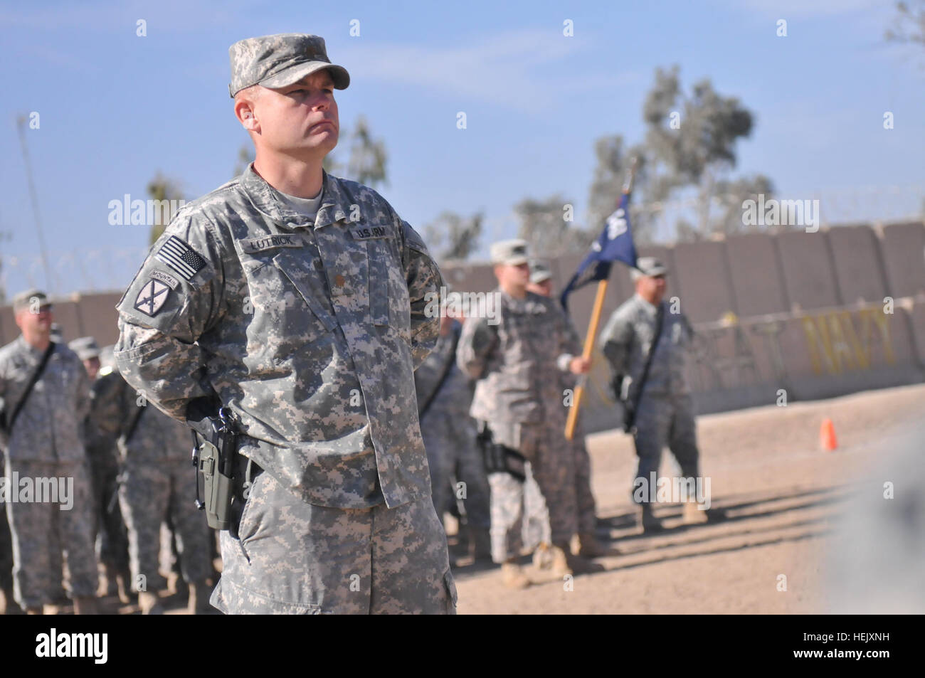 United Army Officer In Front Stockfotos & United Army Officer In ...