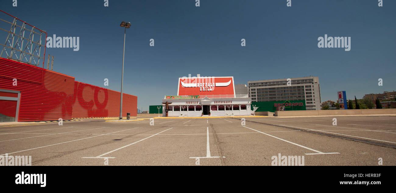 Fast Food Restaurant, Verlassener Parkplatz, Lleida, Spanien, Fachzeitung Stockbild