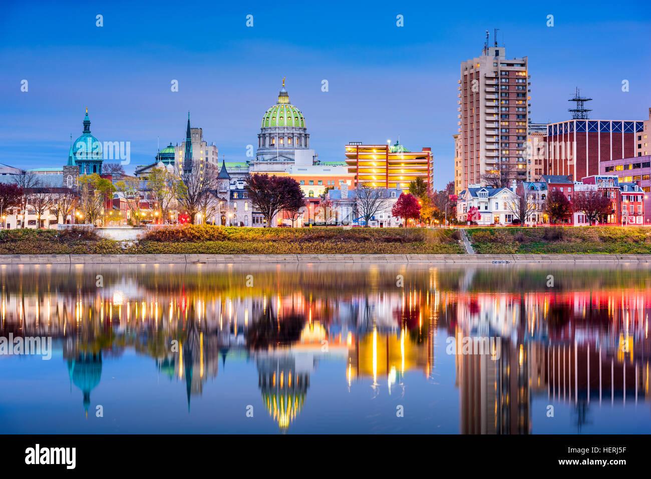 Harrisburg, Pennsylvania, USA Skyline am Susquehanna River Stockfoto ...