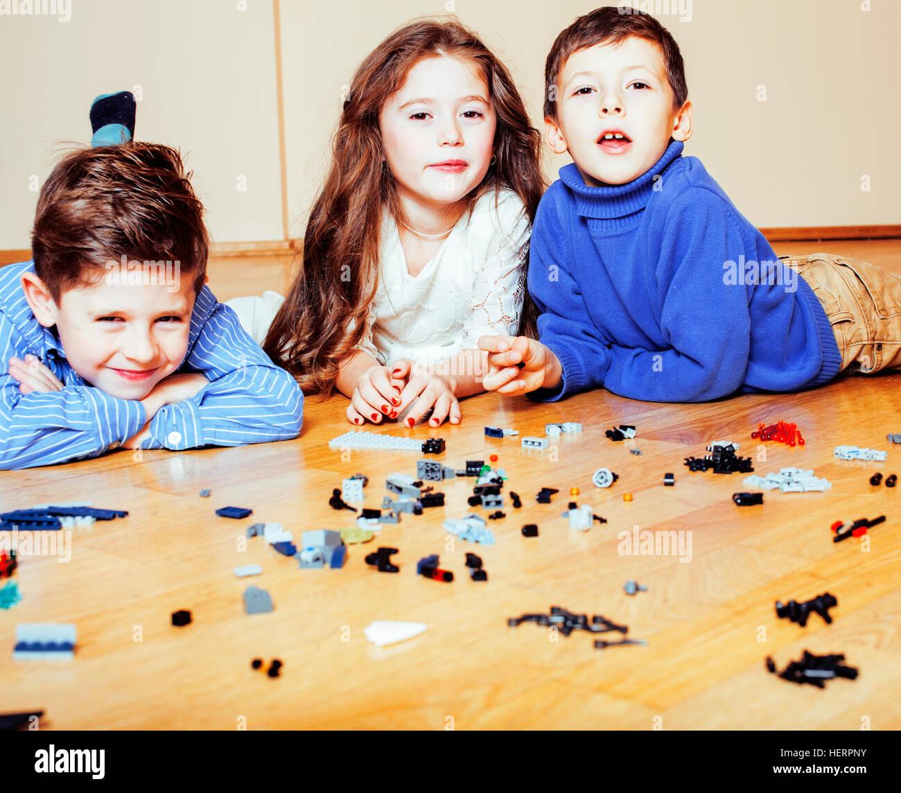 Child Lego Stockfotos & Child Lego Bilder Seite 10 Alamy