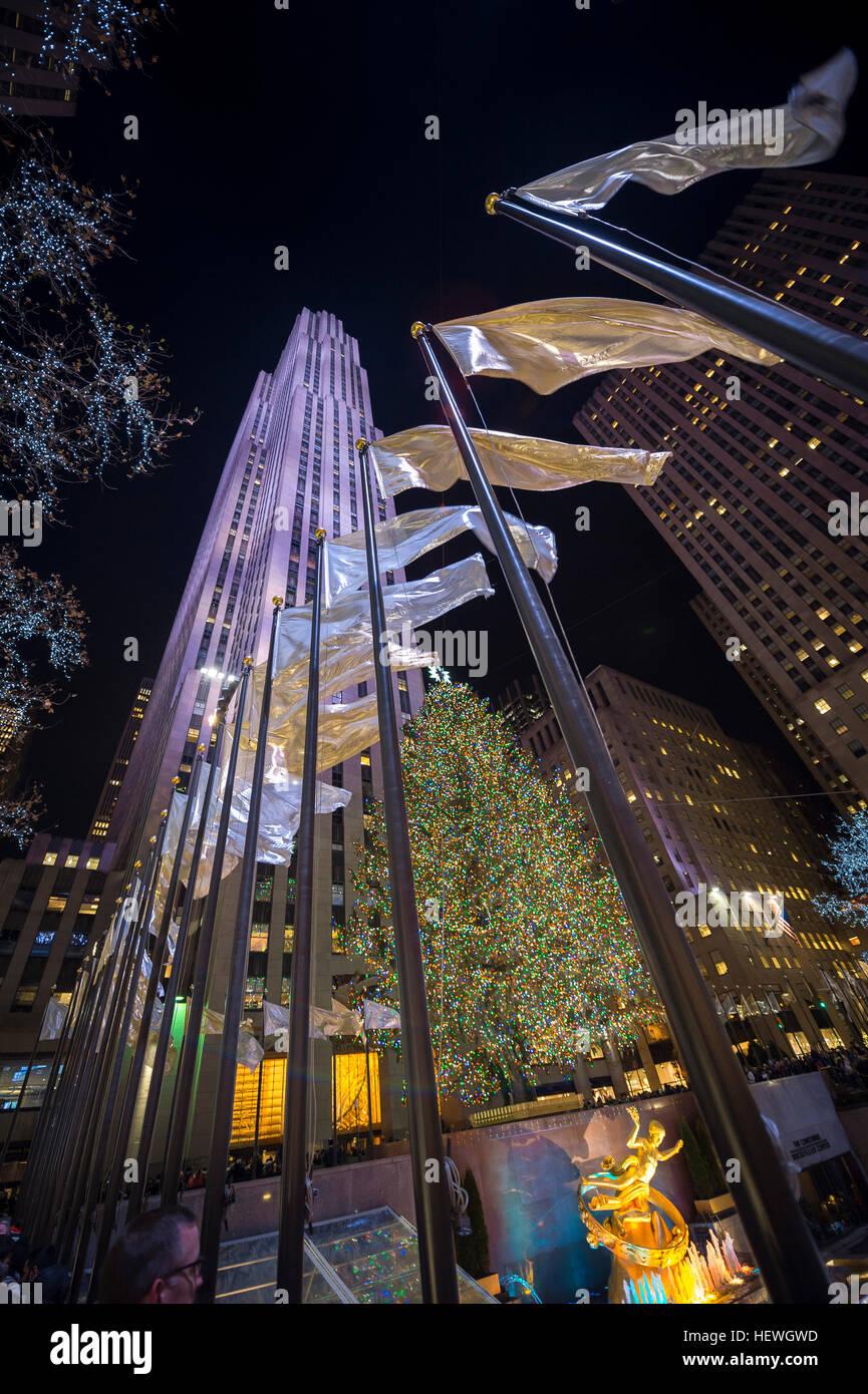 NEW YORK CITY - 23. Dezember 2016: Weihnachten Lichter die Stadt für die Ferienzeit schmücken. Stockbild