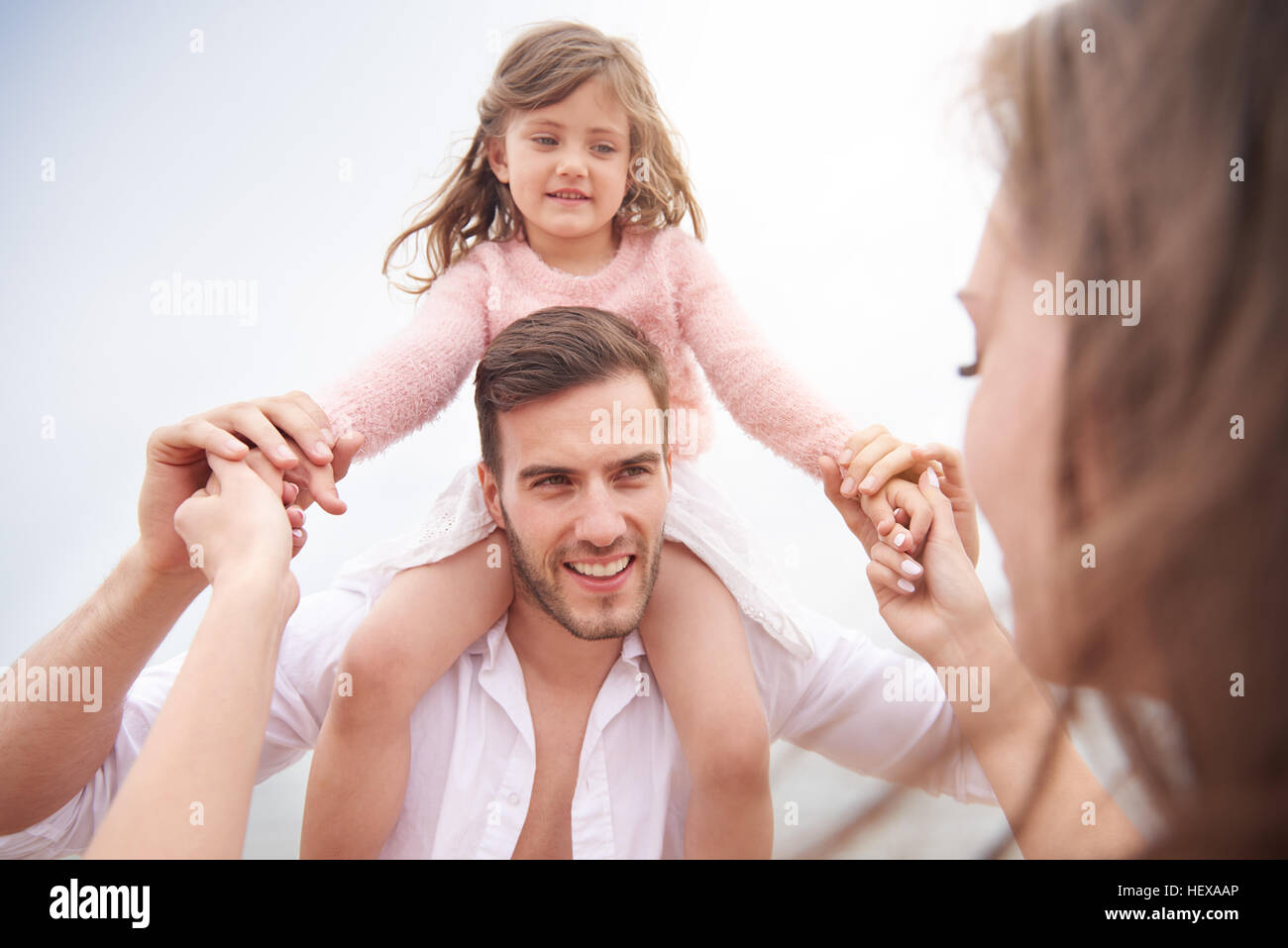 Vater und Tochter Huckepack Stockbild