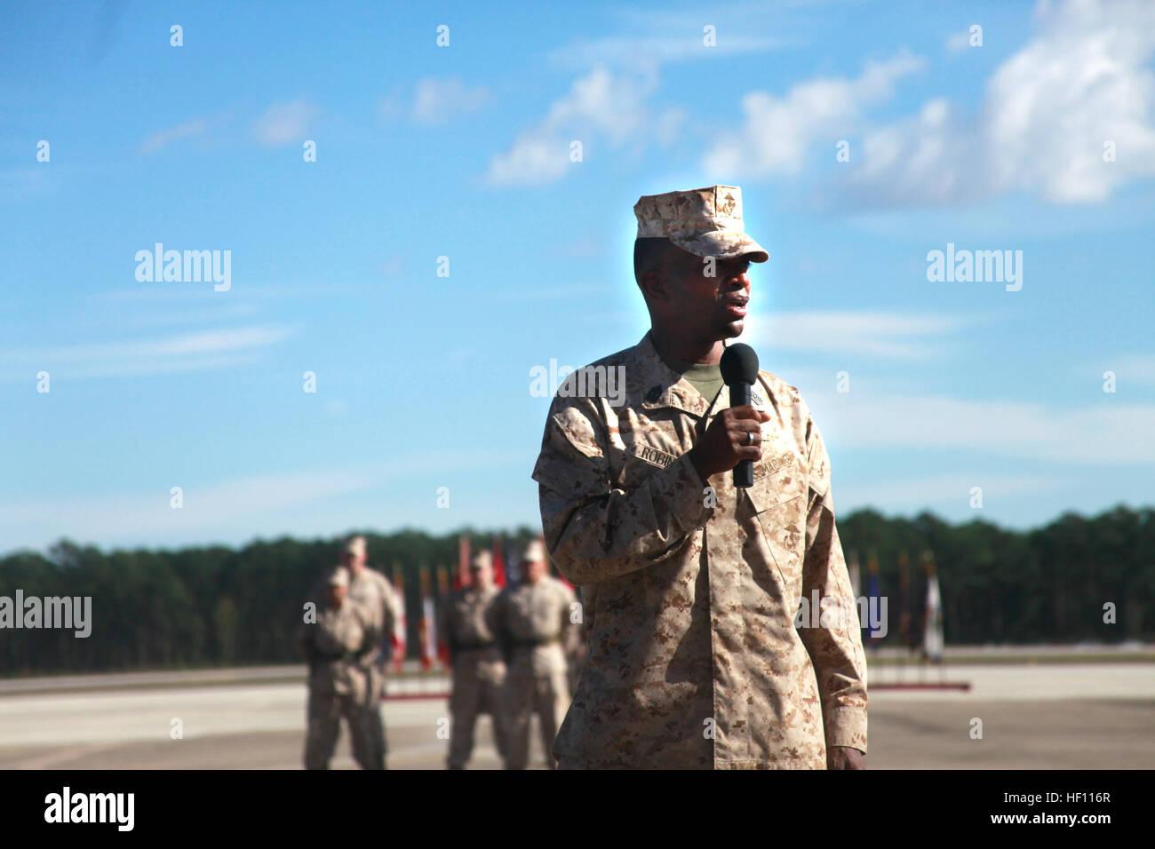 Sgt. Major Christopher G. Robinson Schritte in Sergeant Major der 2 ...