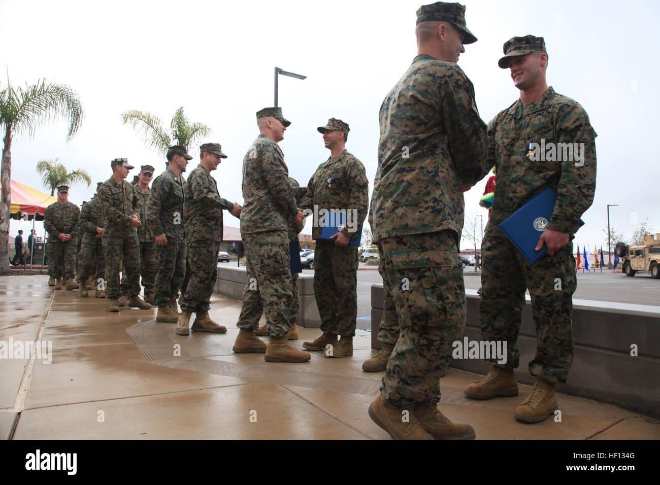 MARINE CORPS BASE CAMP PENDLETON, Kalifornien - Marine mit der 1st ...