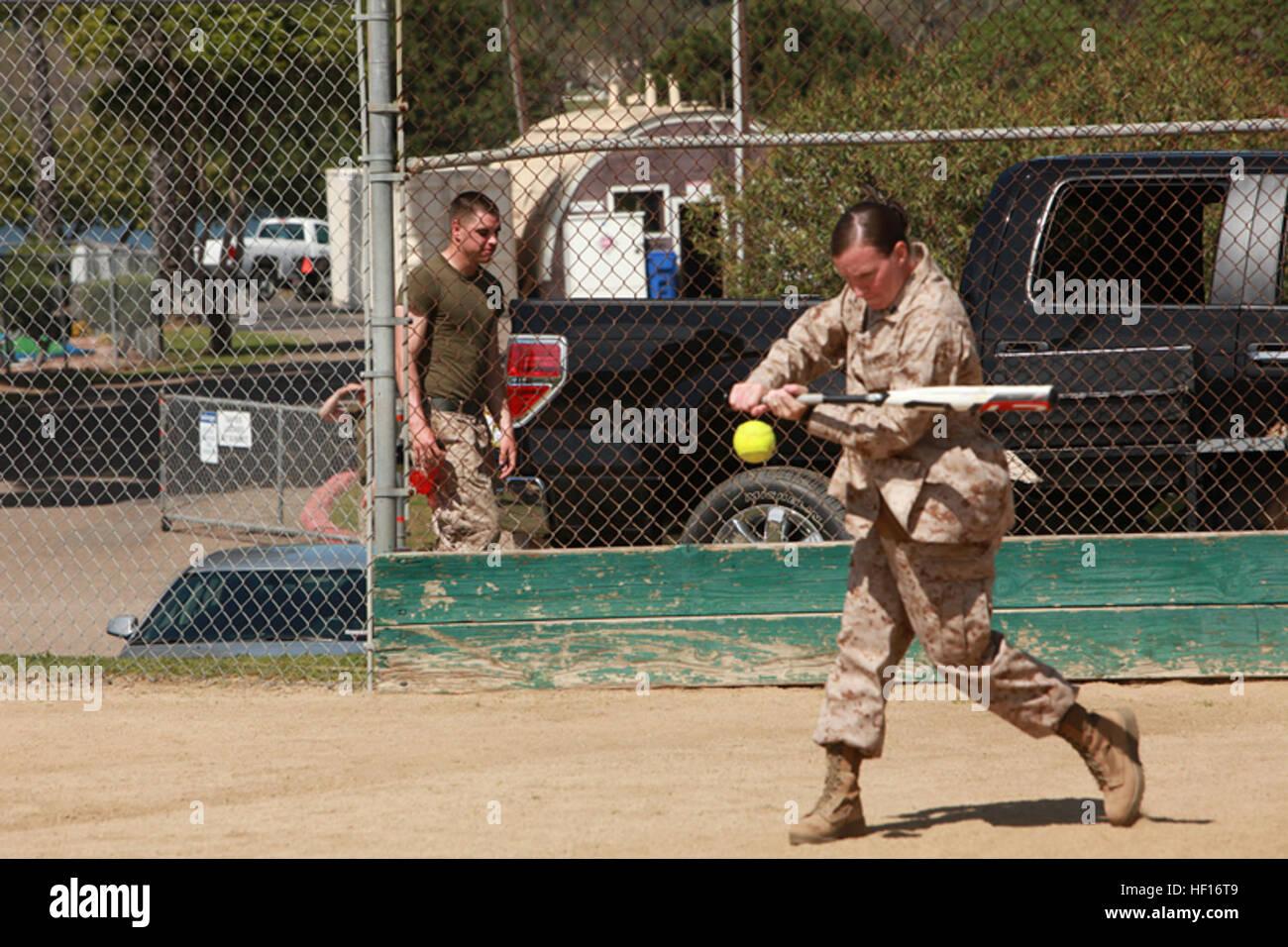 Armed Forces Softball Tournament Stockfotos & Armed Forces Softball ...