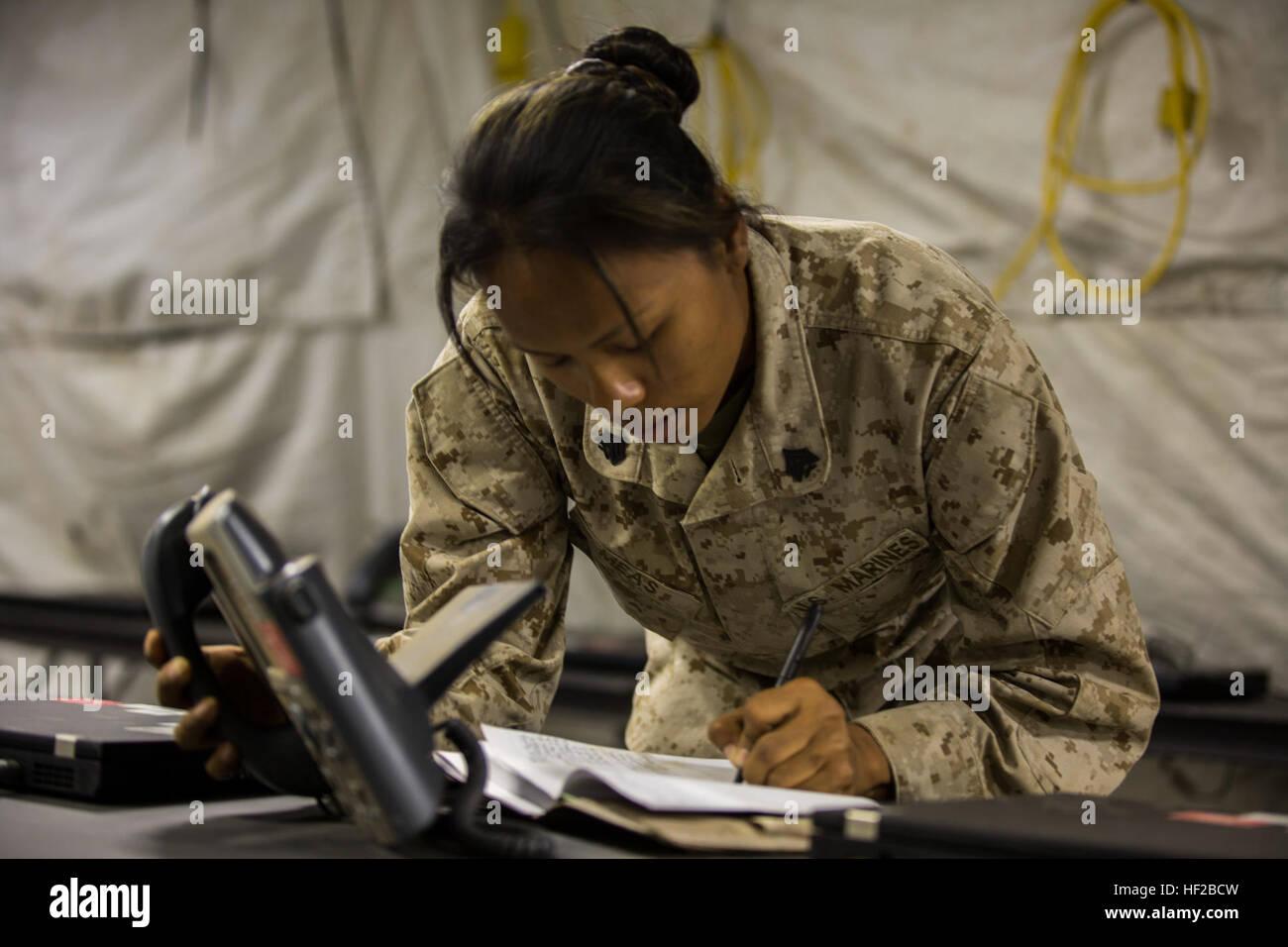 Sergeant Savoeun Meas, der Assistent-Draht-Chef mit 9. Bataillon ...