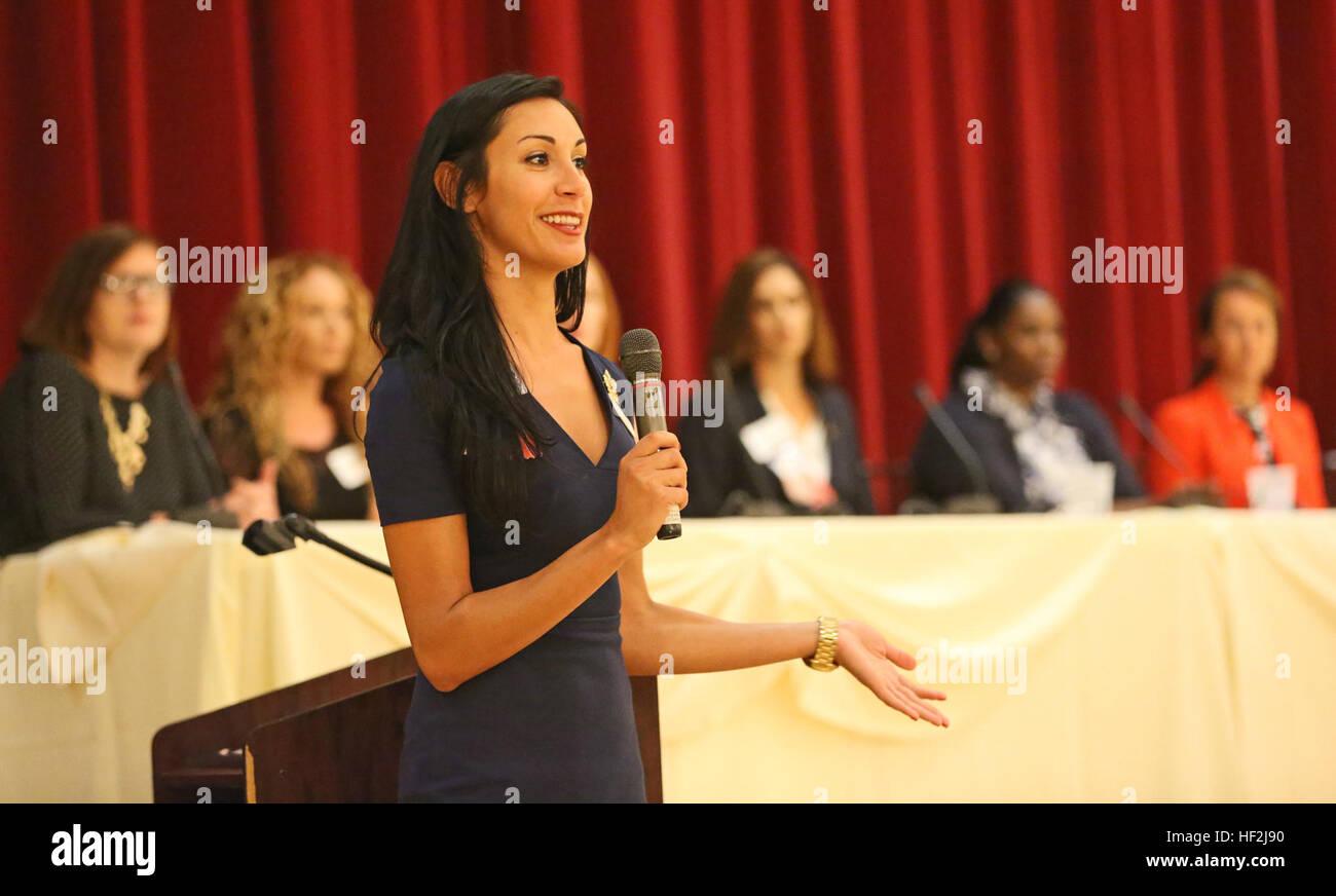 Juliana Mercer, Programm-Manager mit mieten Amerikas Helden, führt ...