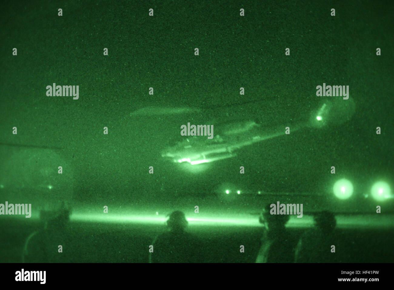 """Ein AH-1W """"Super Cobra"""" von Marine Licht Angriff Hubschrauber-Geschwader 367, Marine Aircraft Gruppe 40, Stockbild"""