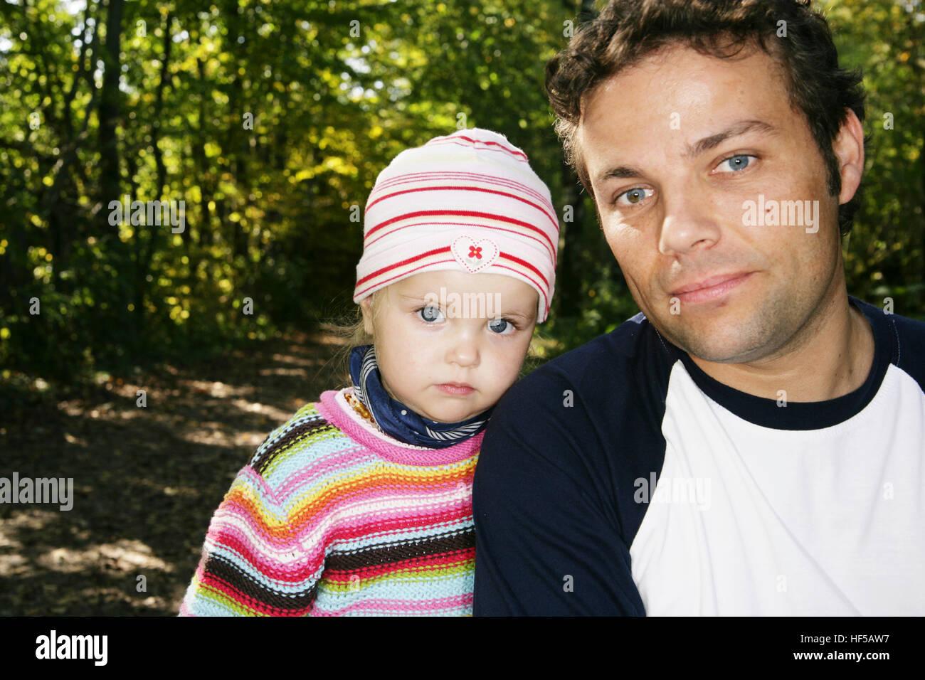 Vater und drei-jährige Tochter Stockfoto