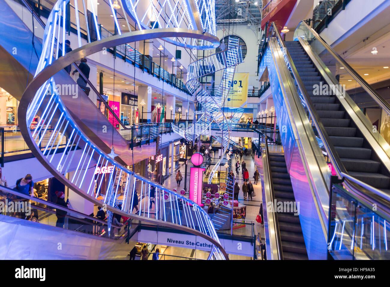 shopping center quebec canada stockfotos shopping center. Black Bedroom Furniture Sets. Home Design Ideas