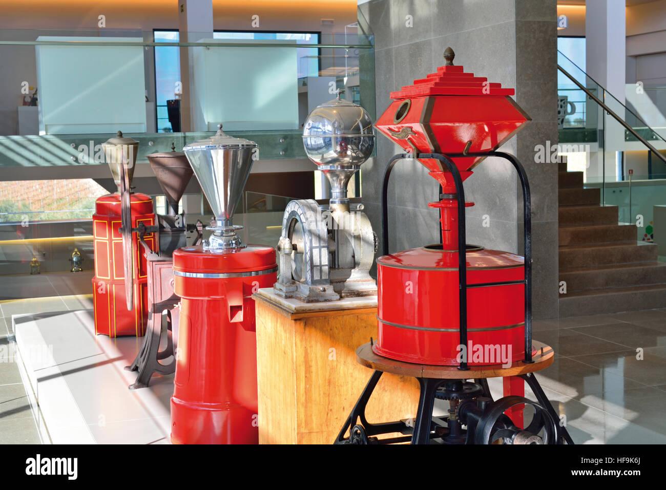 Portugal, Alentejo: Historische Kaffeemühlen in das Kaffeemuseum Centro de Ciencia tun Café Delta Cafés Stockbild