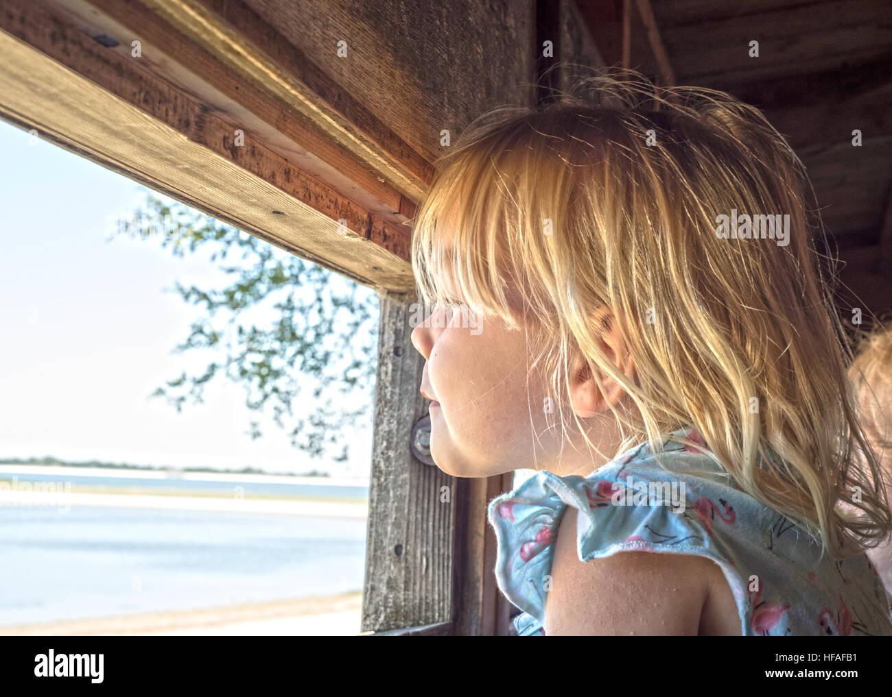 Lillie, Kind-Vogelbeobachtung Stockbild