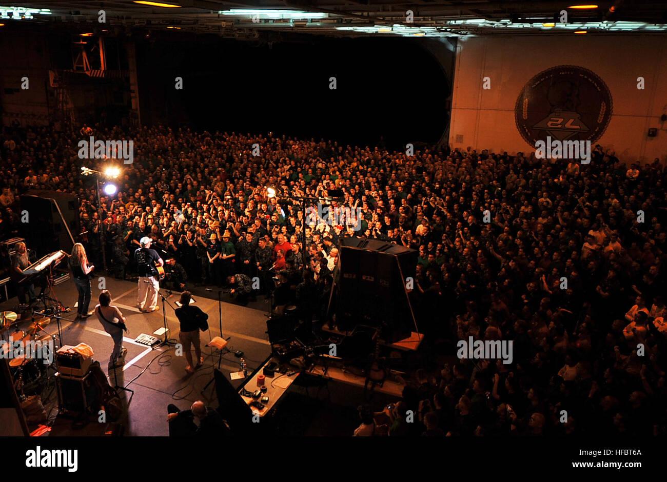 Arabisches Meer (23. April 2012) Country-Musikkünstler führt Toby ...