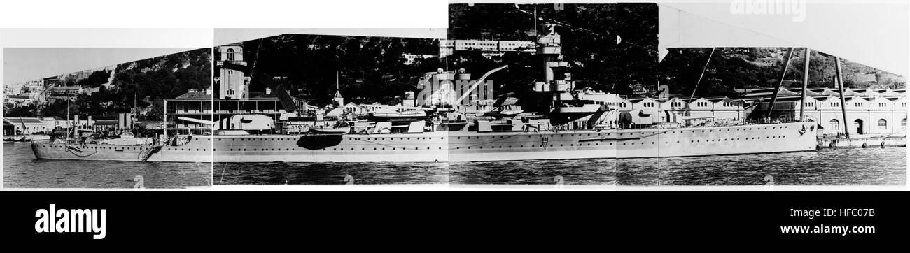 Deutsche Kreuzer Deutschland bei Gibraltar c1937 Stockbild