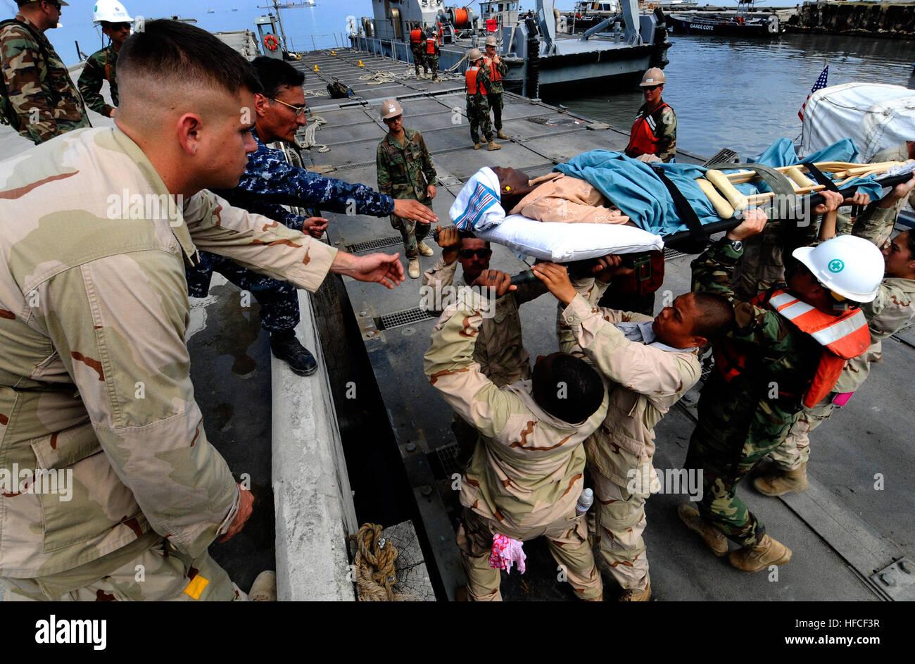 Military Stretcher Stockfotos & Military Stretcher Bilder - Seite 2 ...