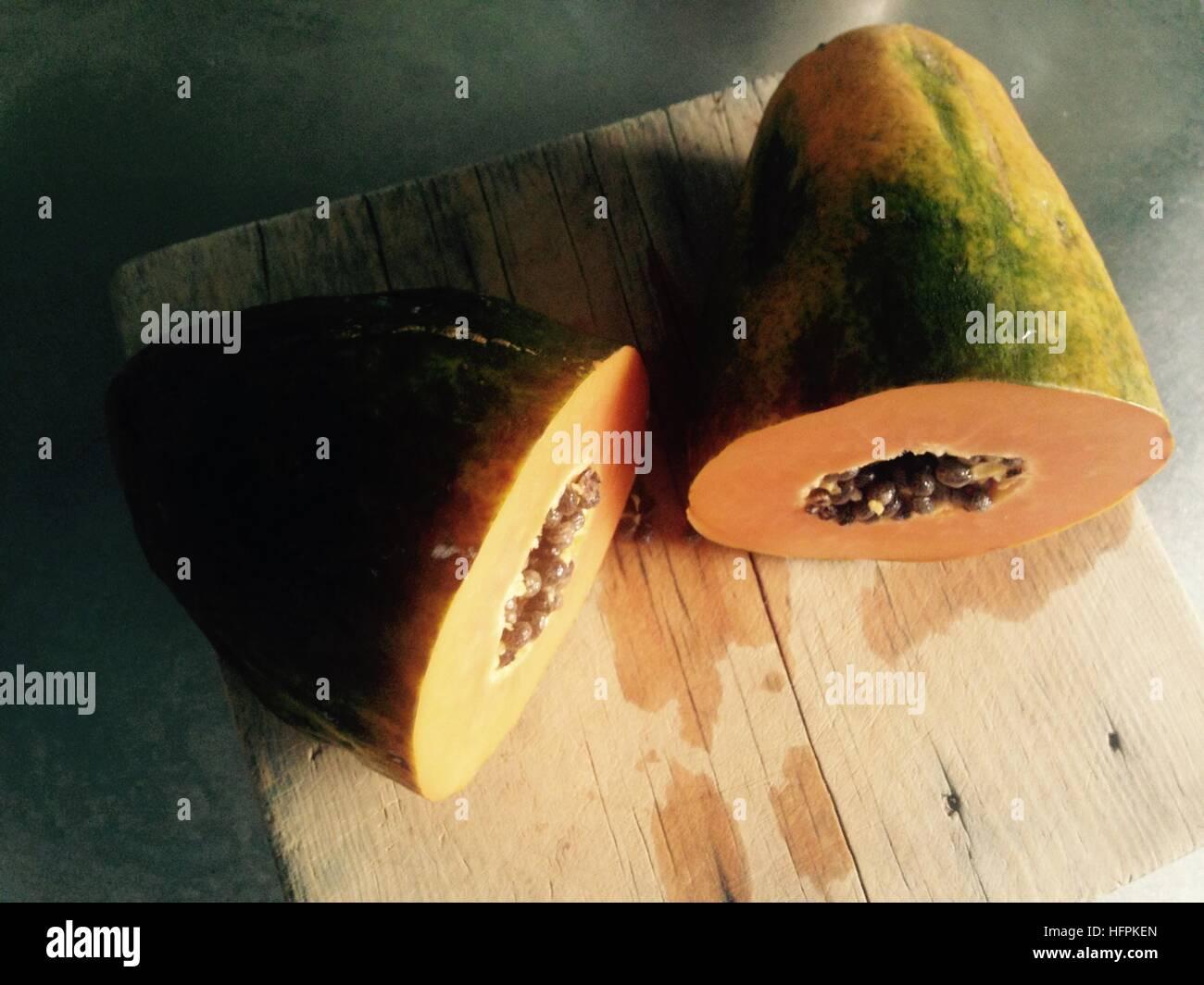 Eine gute Reife Papaya, süß und lecker. Stockbild