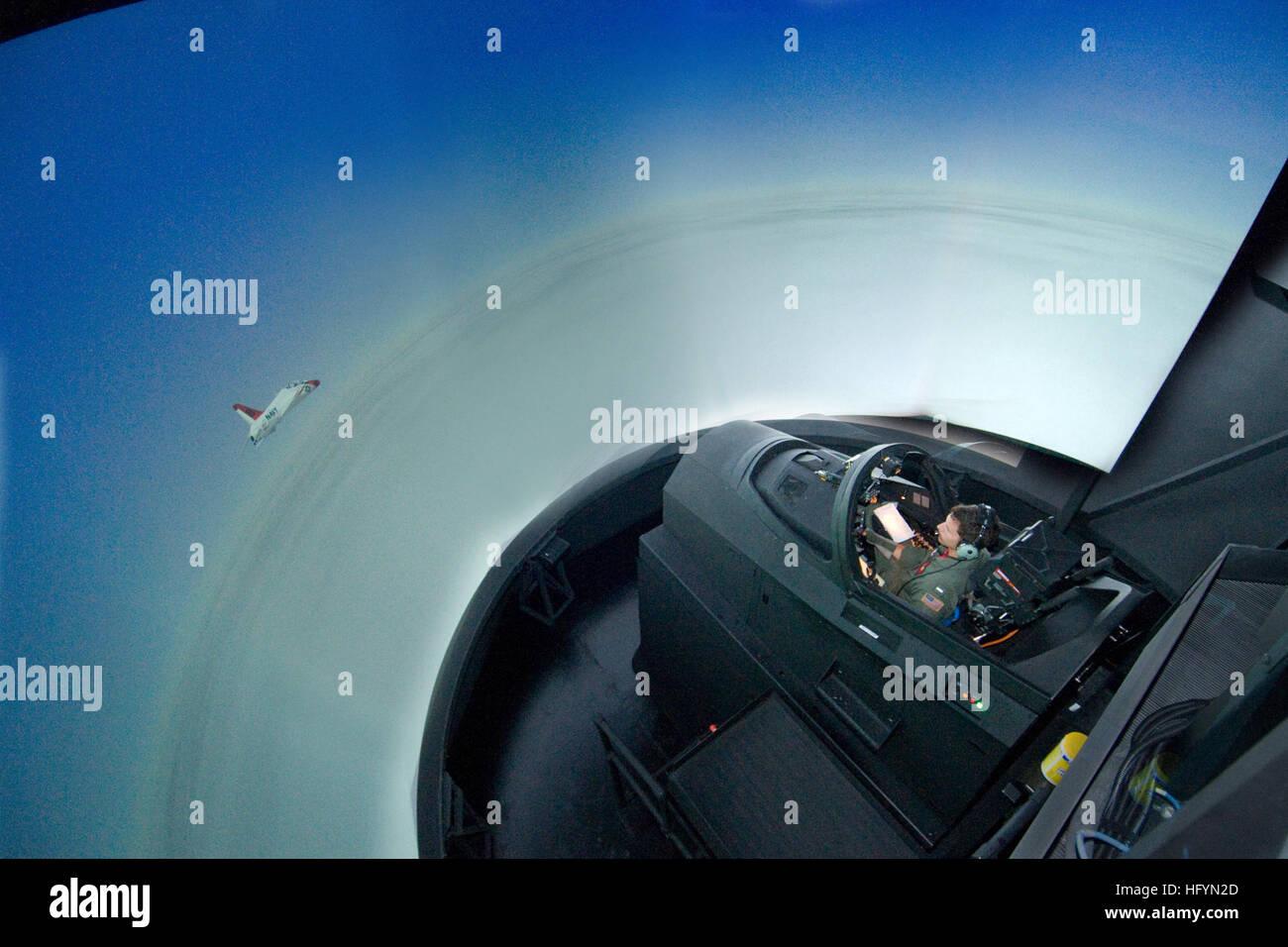 110322-N-LY958-098 CORPUS CHRISTI, Texas (22. März 2011) Lt. j.g. Jon Michael Chombeau, ein Flugschüler Stockbild