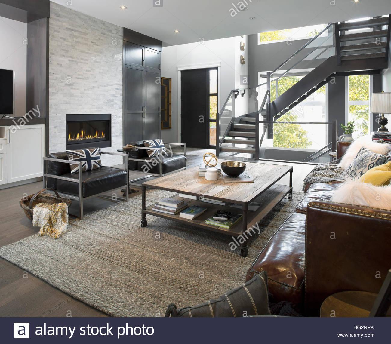 Modern Interior Fireplace Staircase Stockfotos & Modern Interior ...