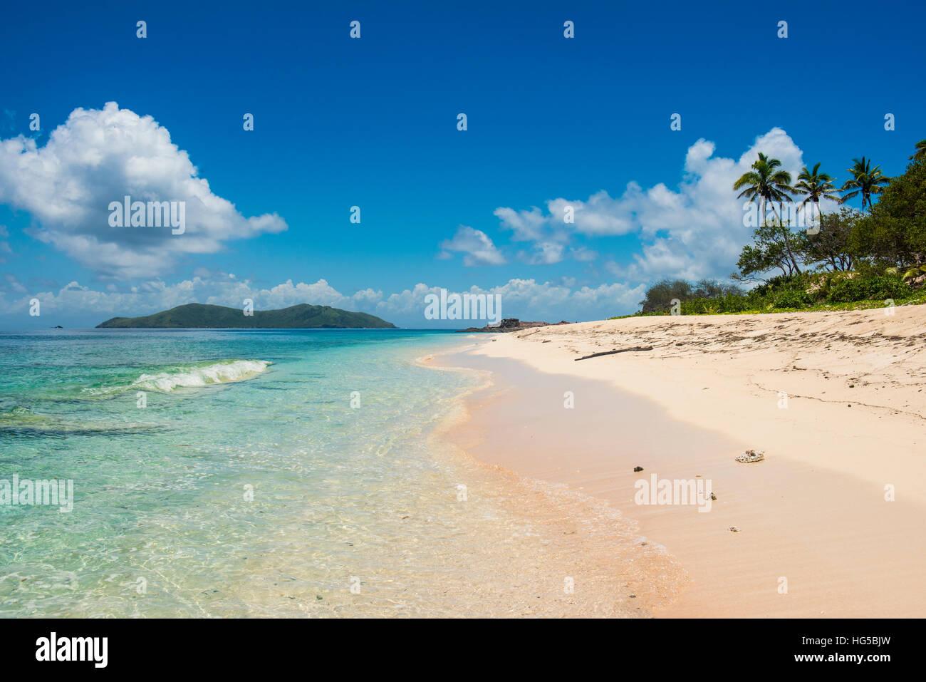 Schönen weißen Sandstrand auf Monuriki (Cast Away Insel), Mamanuca Inseln, Fidschi-Inseln, Süd-Pazifik Stockbild