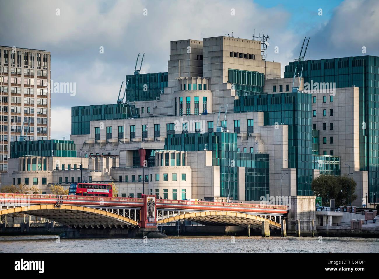 SIS bauen wohnen MI5 und MI6 Secret Service, London Stockfoto, Bild ...