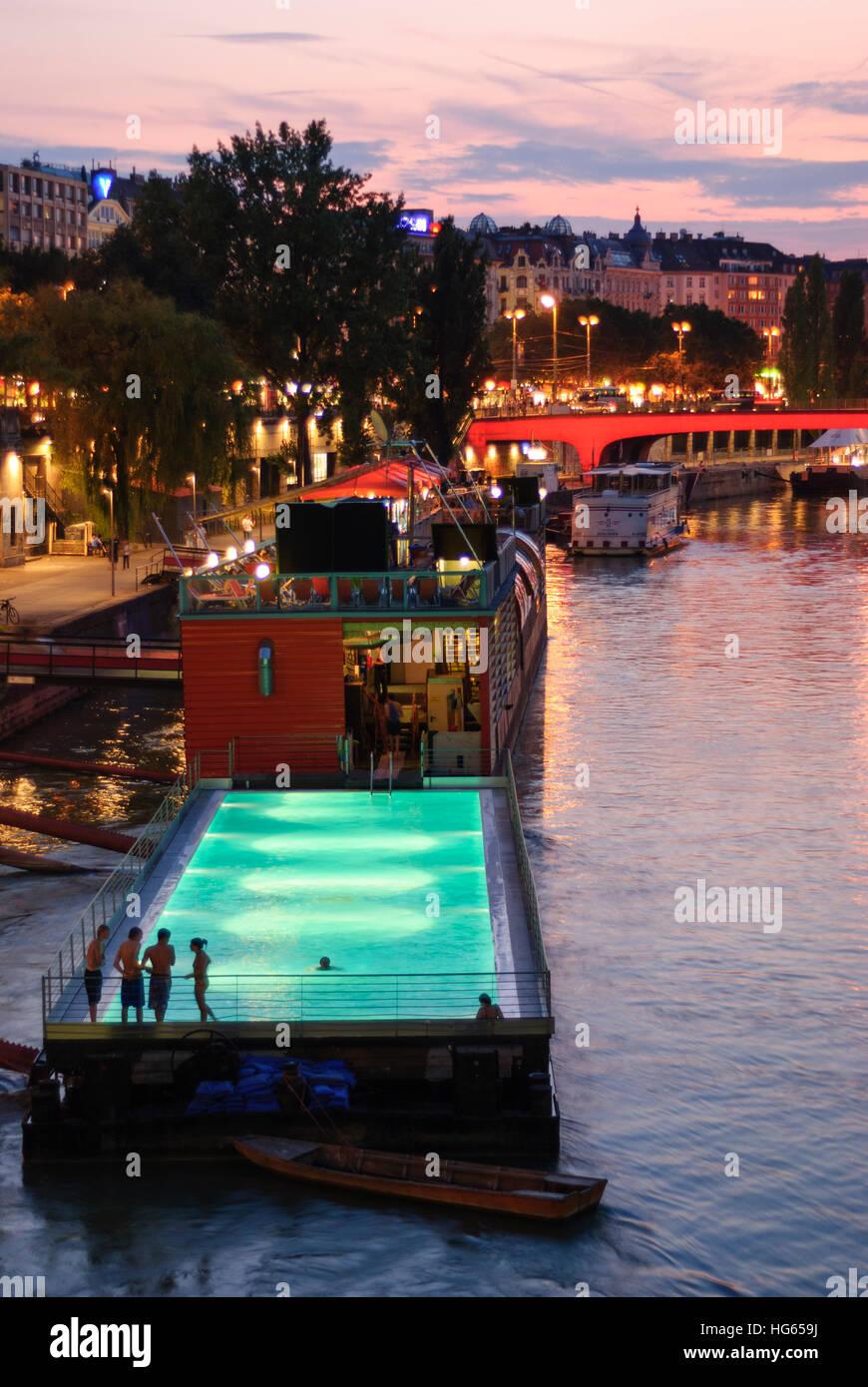 Wien, Wien: Baden Schwimmbad Schiff in den Donaukanal 01 ...
