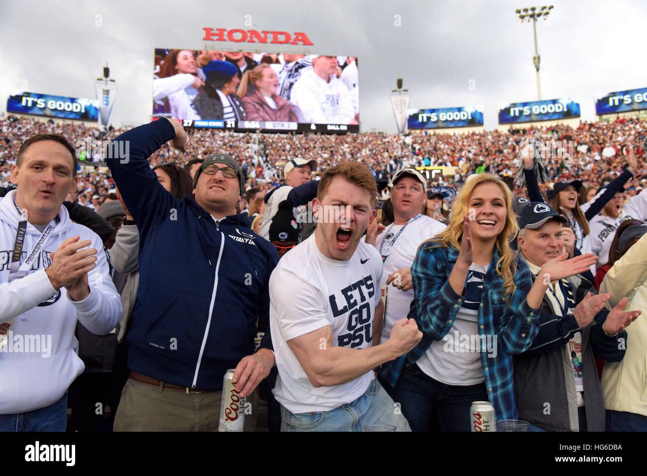 Pasadena, Kalifornien, USA. 2. Januar 2017. Fans von der Penn State Nittany Lions in Aktion bei einem 52-49 an der Stockfoto