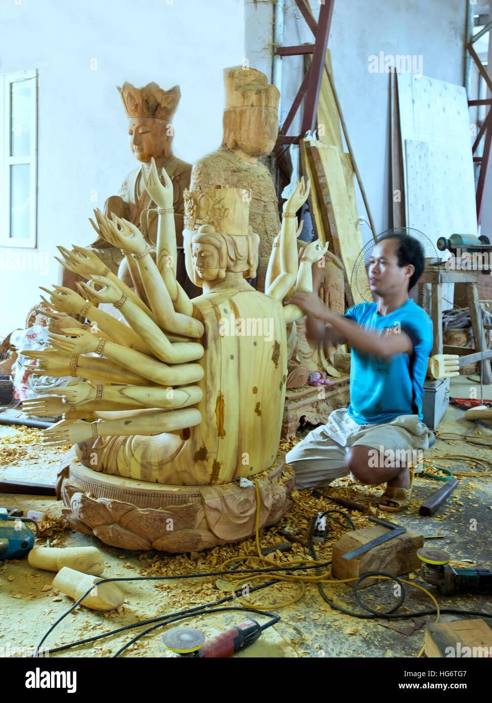"""Abschluss der Holzschnitzerei von Avalokiteshvara (Guanyin) 1000 Augen & Arme Göttin, bekannt als """"Göttin Stockbild"""