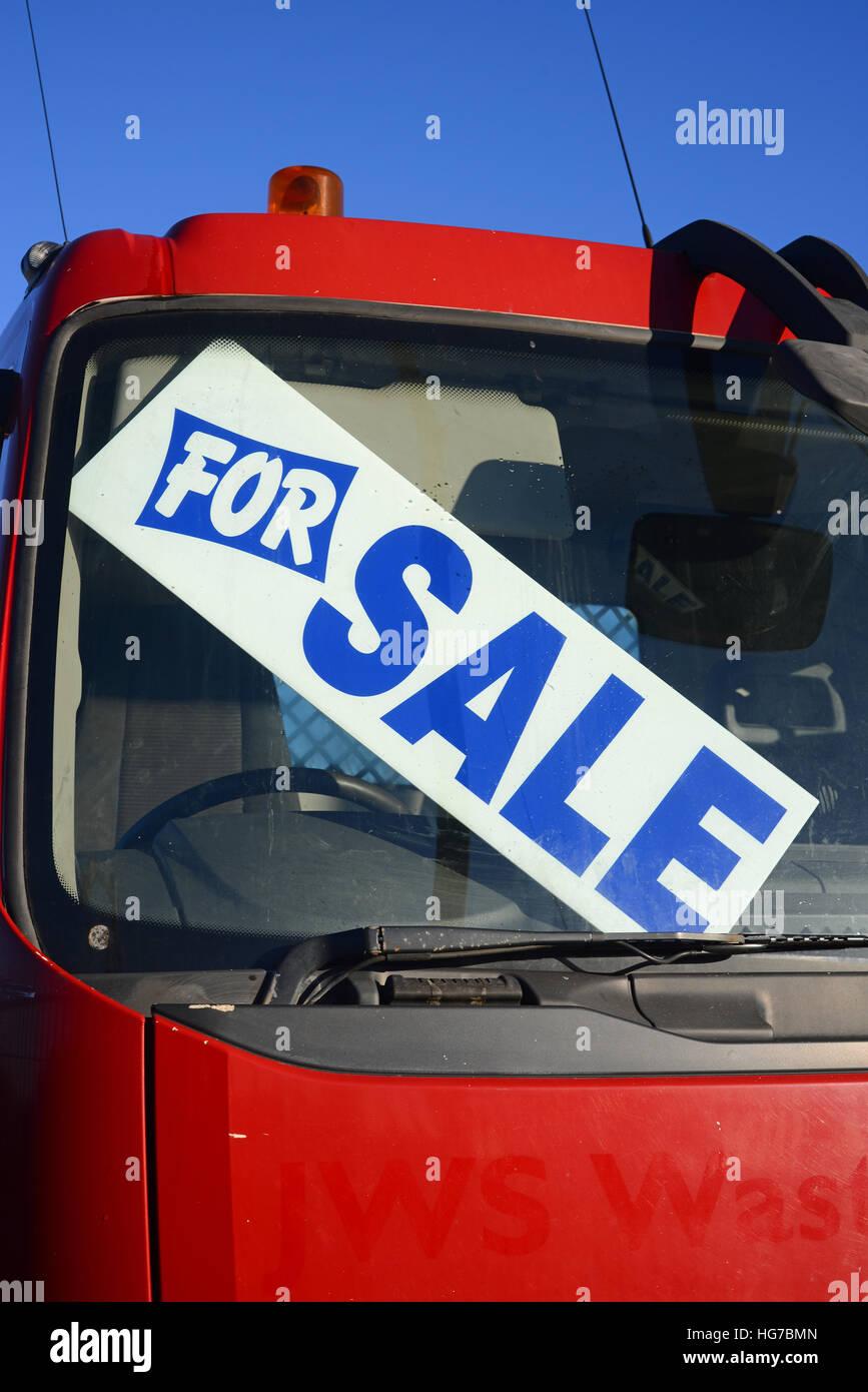 Fur Verkaufsschild Im Fenster Gebrauchte Lkw Bei Autohaus Uk