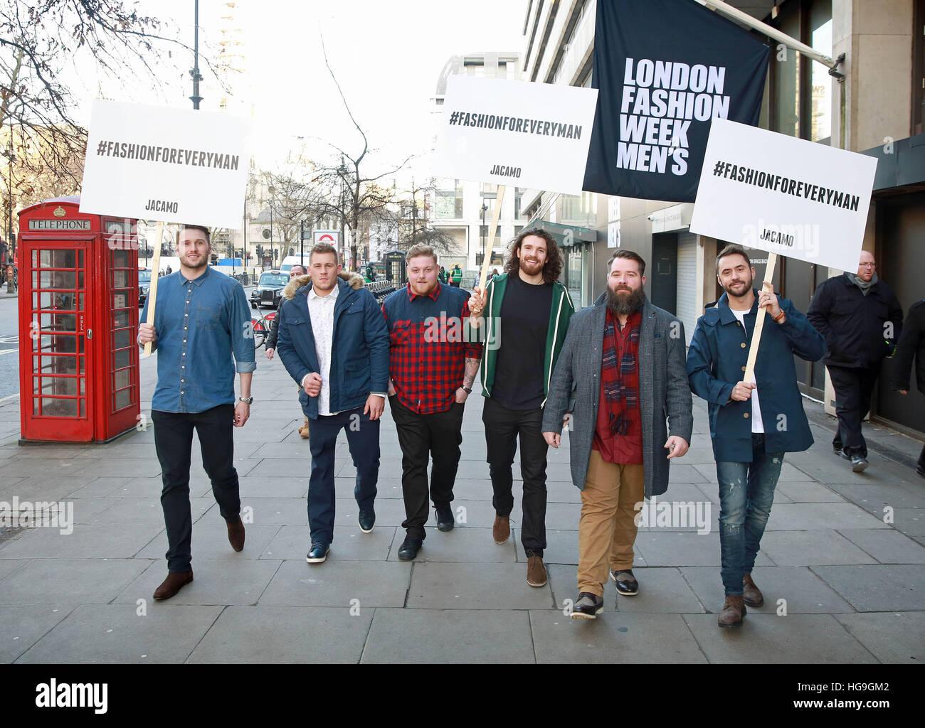 Redaktion verwenden nur Aktivisten (von links nach rechts) Andy Caine, Jack Eyers, Jamie Park, William Girling, Stockbild