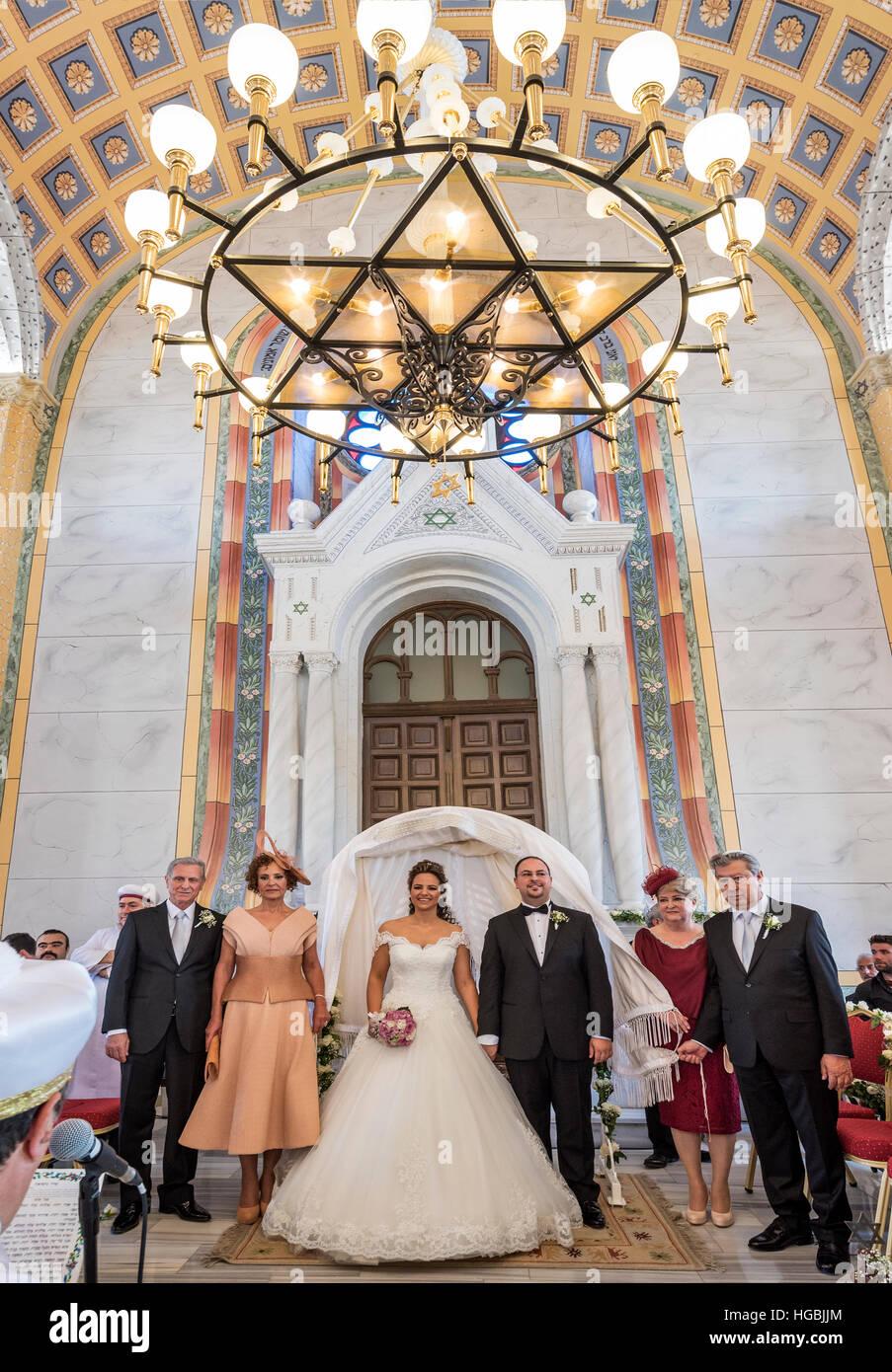 Judische Hochzeit Nach 41 Jahren In Der Restaurierten Synagoge