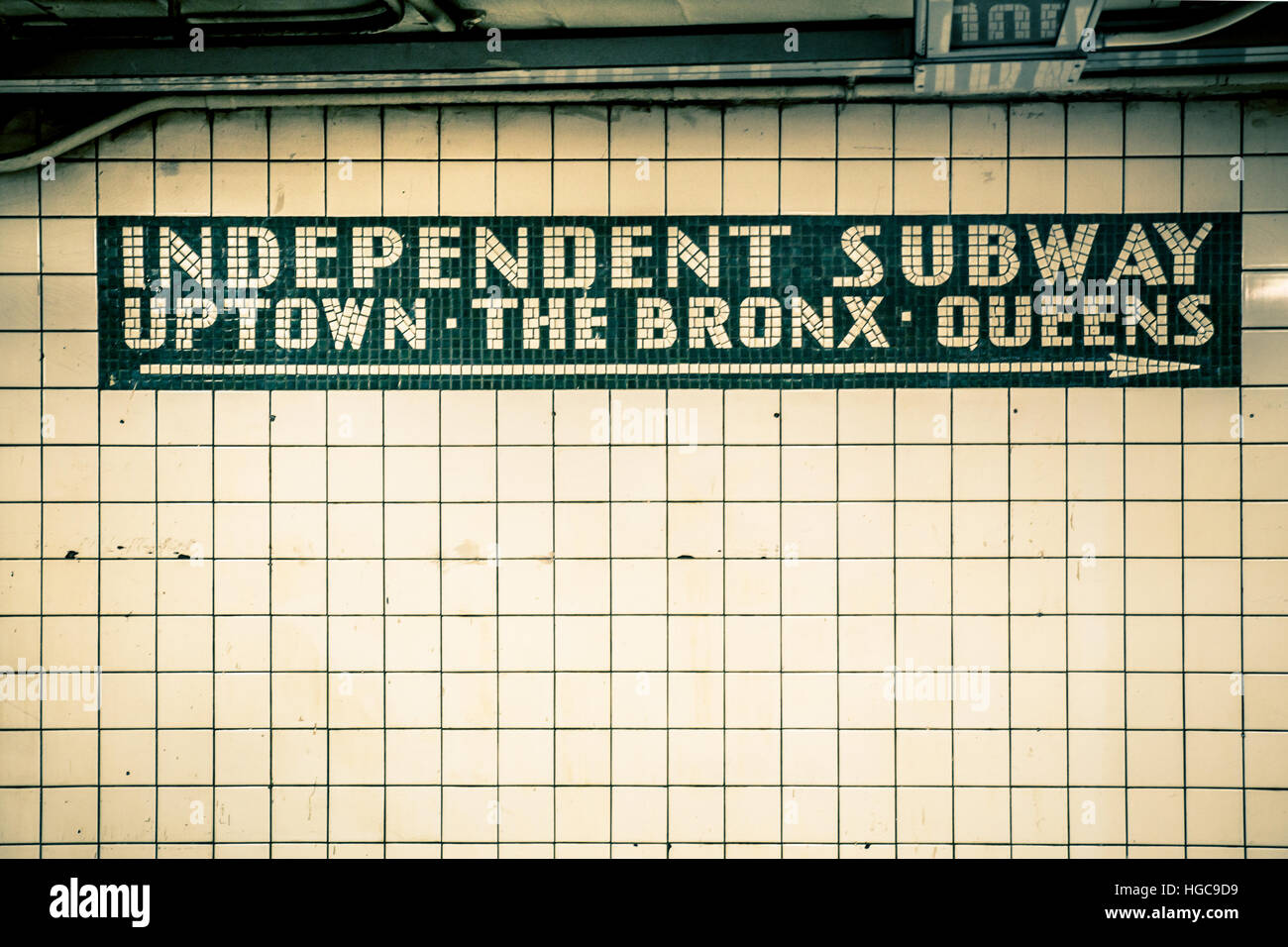 Vintage Ziegel-Mauer in New York City Subway station Stockfoto, Bild ...