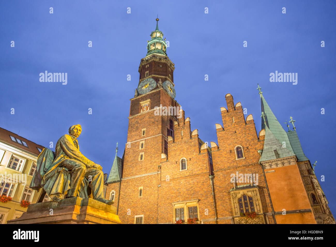 Rathaus in Breslau Stadt bei Nacht Stockbild
