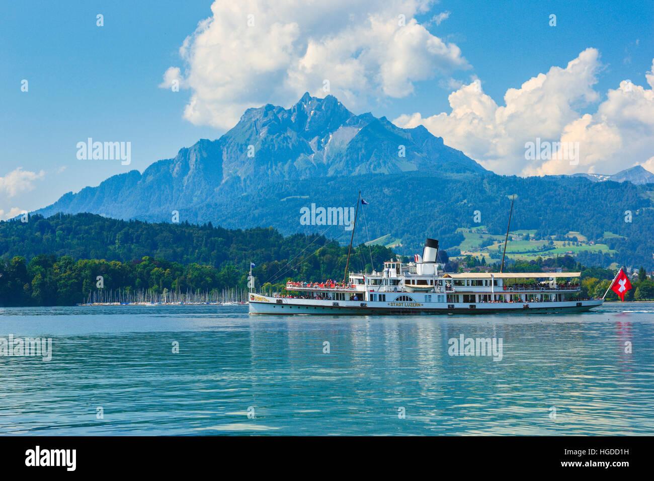 Raddampfer Stadt Luzern am Vierwaldstättersee Stockbild