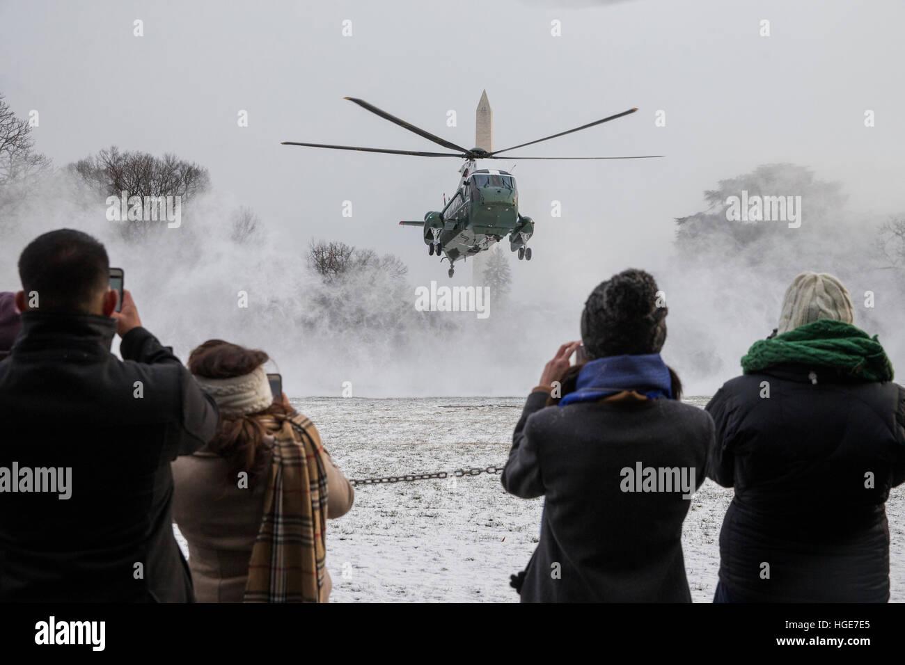 Washington, DC, USA. 7. Januar 2017. Marine One landet auf dem South Lawn des weißen Hauses in Washington, DC, USA, Stockfoto