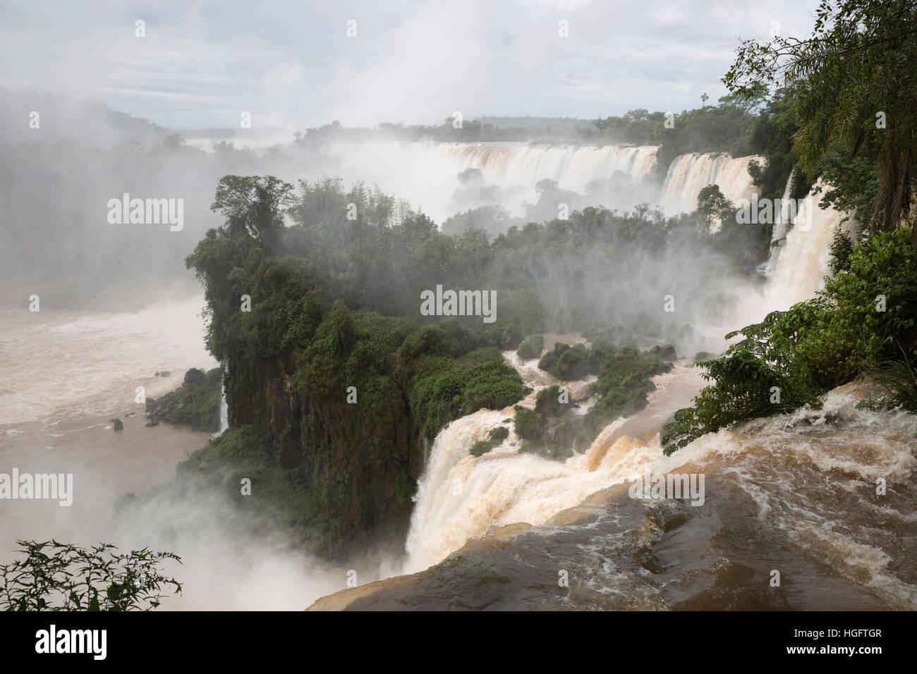 Die Iguazu Wasserfälle, Iguazu National Park, Provinz Misiones, im Nordosten, Argentinien, Südamerika Stockbild