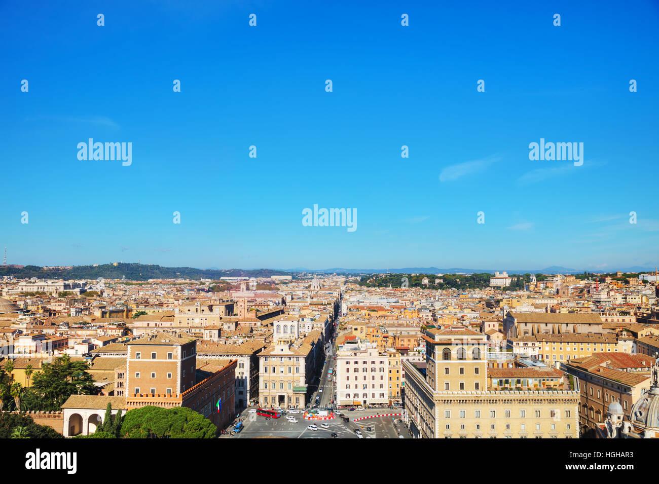 Rom-Luftaufnahme mit Piazza Venezia an einem sonnigen Tag Stockbild